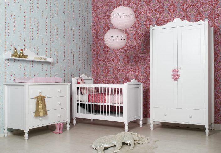 Babykamer complete inrichting Babybed Commode Kinderkasten Box