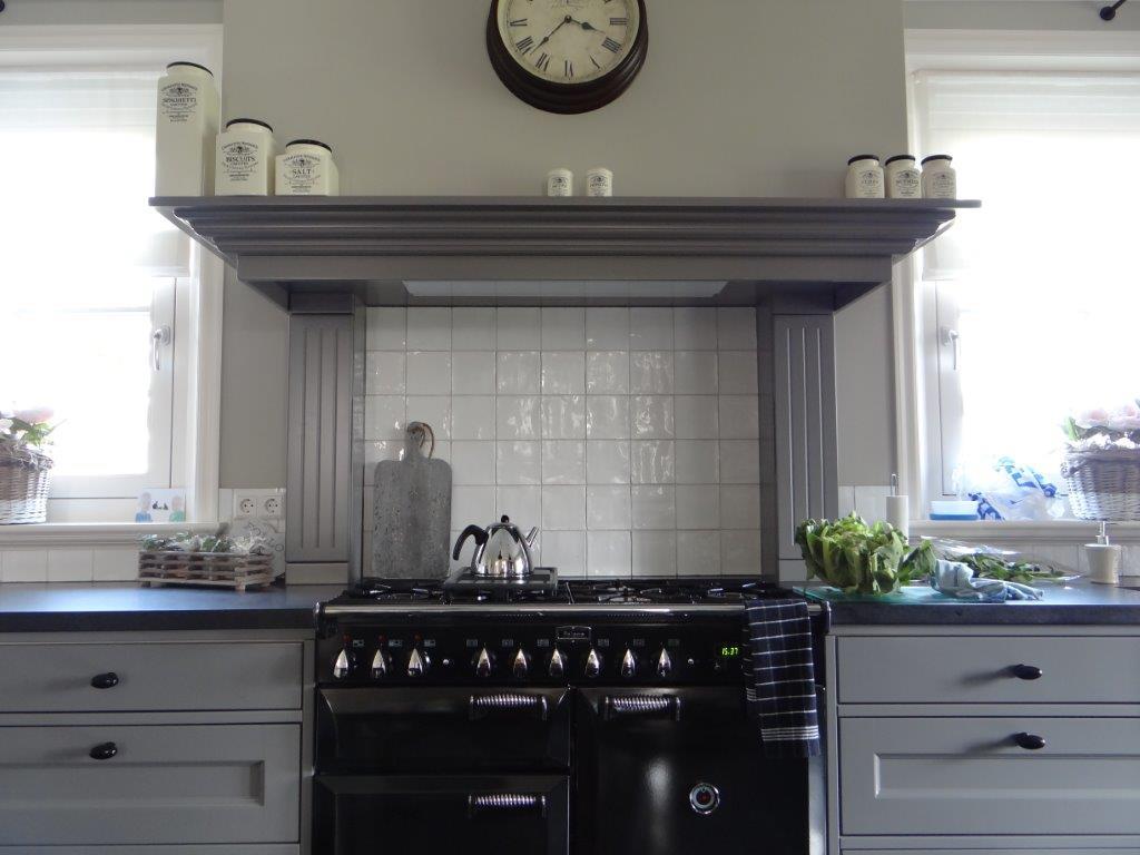 Landelijke Keuken Outlet : Schitterende landelijke keuken met granieten werkblad en spoelbak