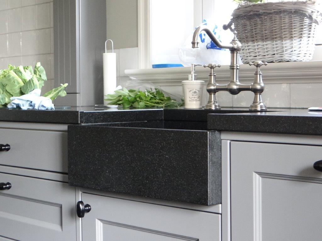 Landelijke babykamer tweedehands for - Keuken met granieten werkblad ...