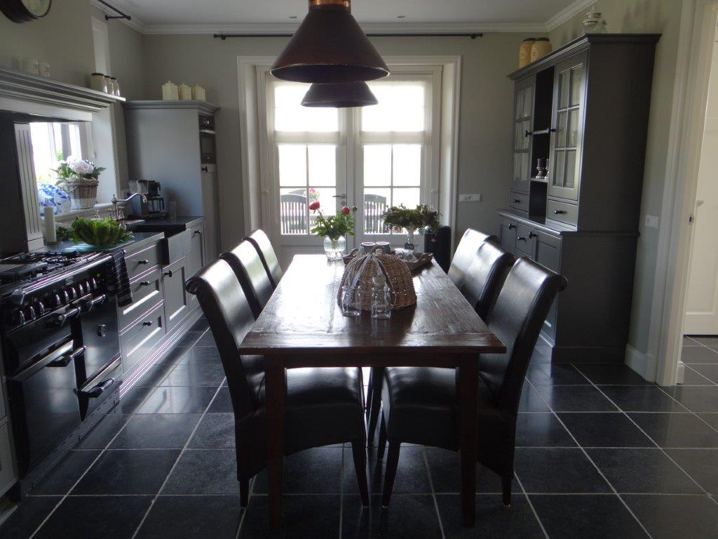 Buffetkast Voor Keuken : Vitrinekast buffetkast interieurs de meubelberg